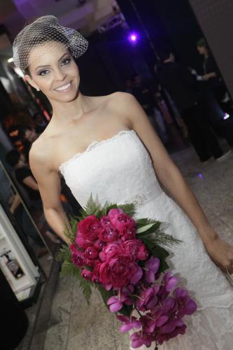 Festas e Noivas Noivinha em Folha
