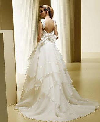 organza-casual-wedding-dresses-bare-back-ball-gowns-3