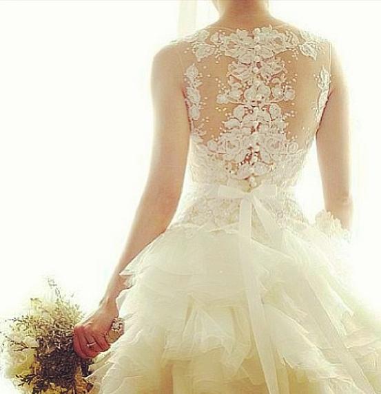 vestido de noiva com detalhes nas costas 3