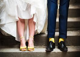 ideias para casamento sapato amarelo