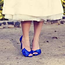 ideias para casamento sapato azul bic