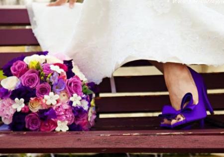 ideias para casamento sapato roxo