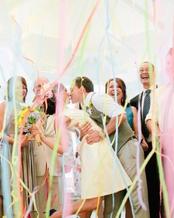 ideias para casamento fitas coloridas