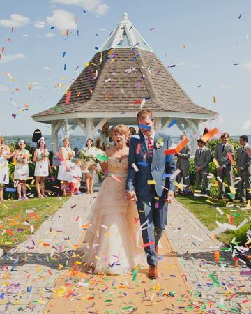 ideias para casamento papeis coloridos