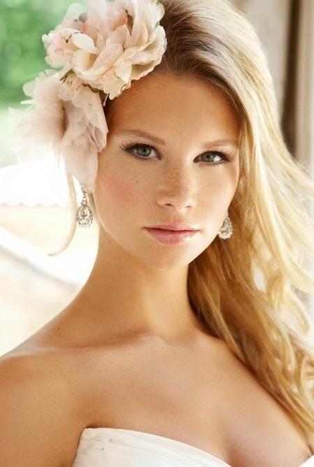 penteado de noiva cabelo solto e flor
