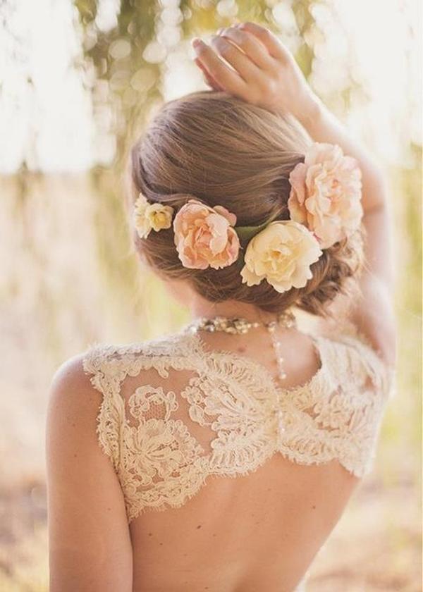 penteado de noiva com rosas