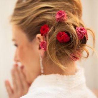 penteado de noiva flor de cór