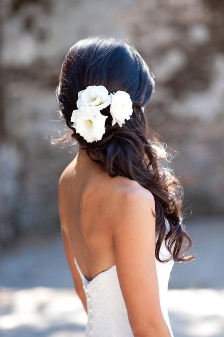 penteado noiva com flores praia