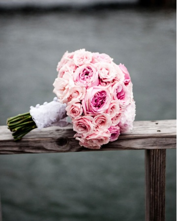 bouquet de noiva peonies and garden roses
